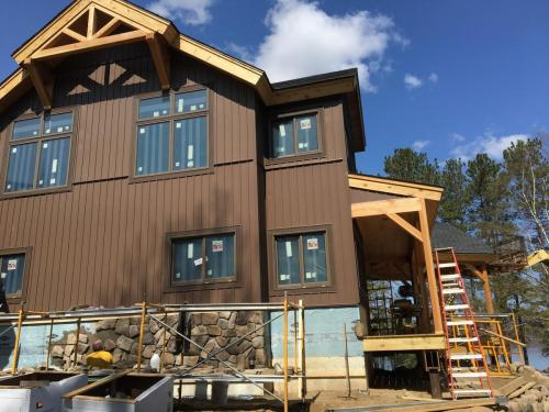 Legault Construction - Chateaugay Lake House 13